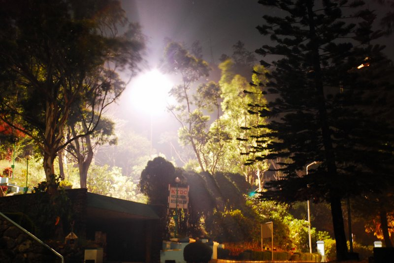 ponmudi at night