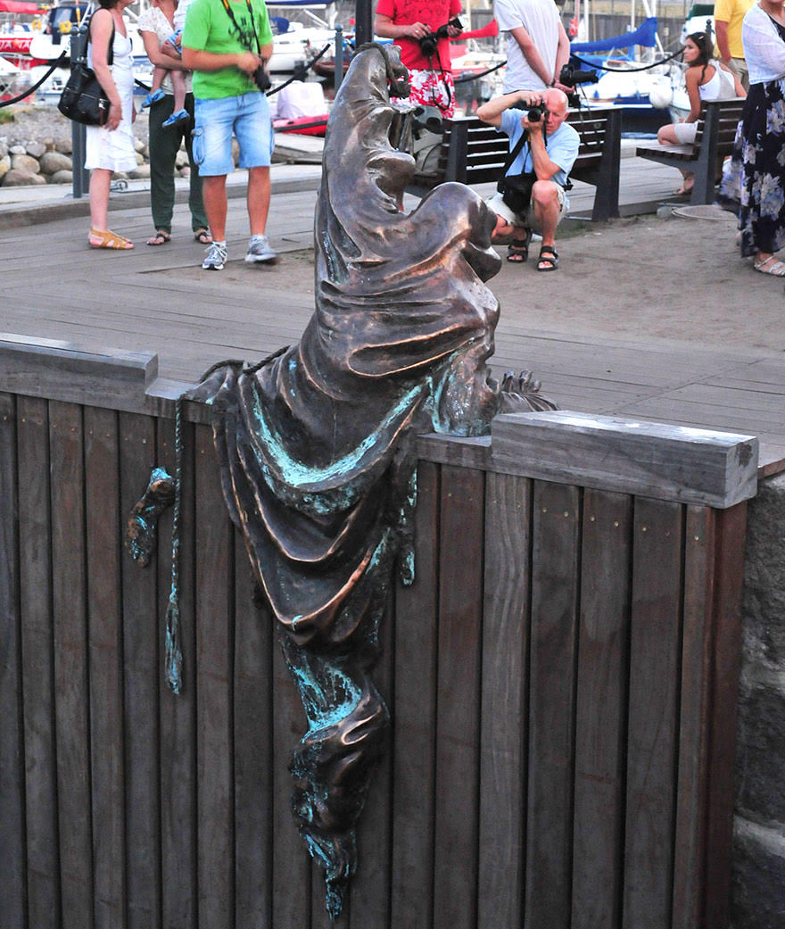 Most creative statues